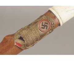 WW2 Tysk stok m. 1933 mindeplade. 123cm lang. ORIGINAL