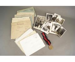 WW2 Tysk Blandet lot. 1. Oktober 1938 Medalje, 24 stk. feltpost, billeder. ORIGINALT